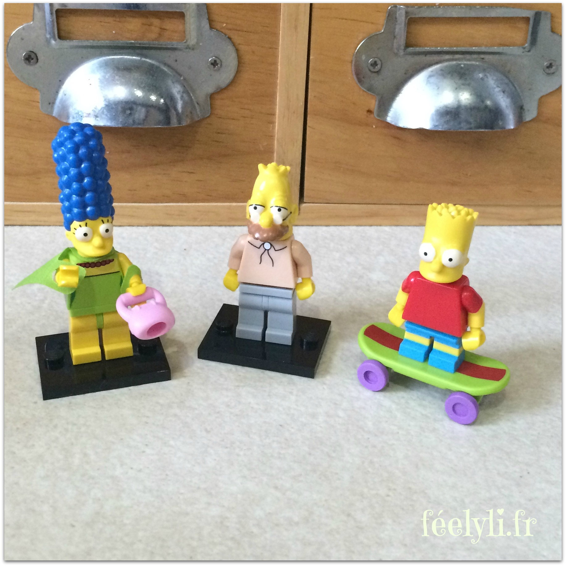 mini figurines simpsons