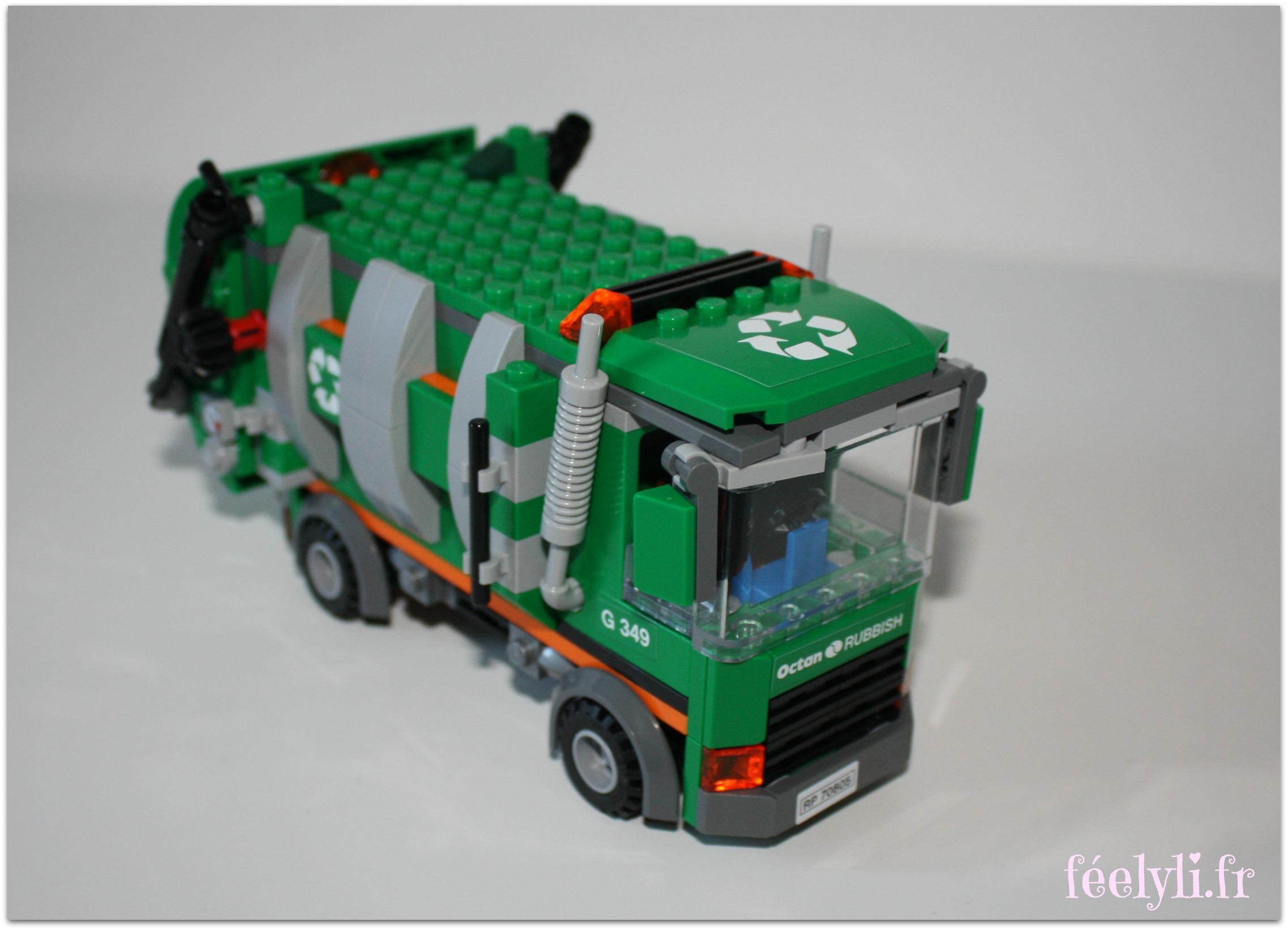 camion de poubelle lego movie2