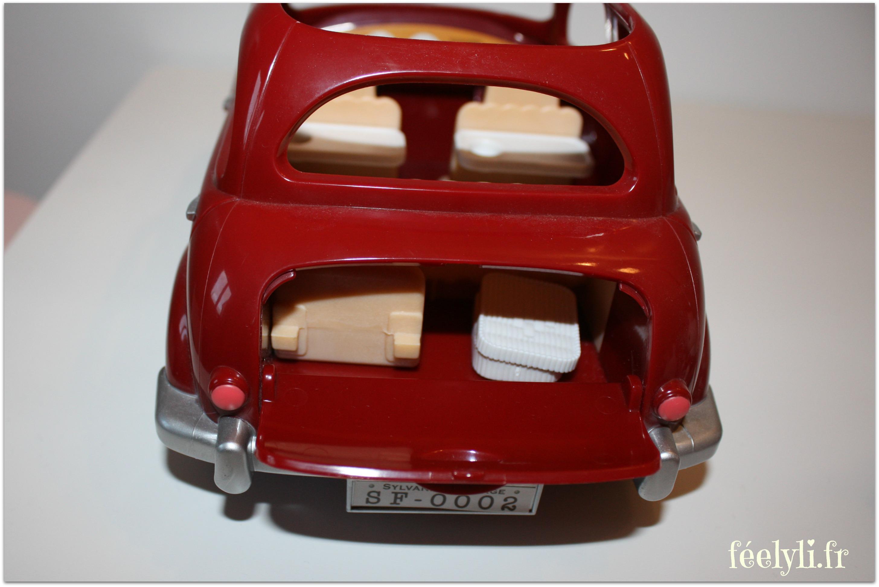 voiture rouge sylvanian families3