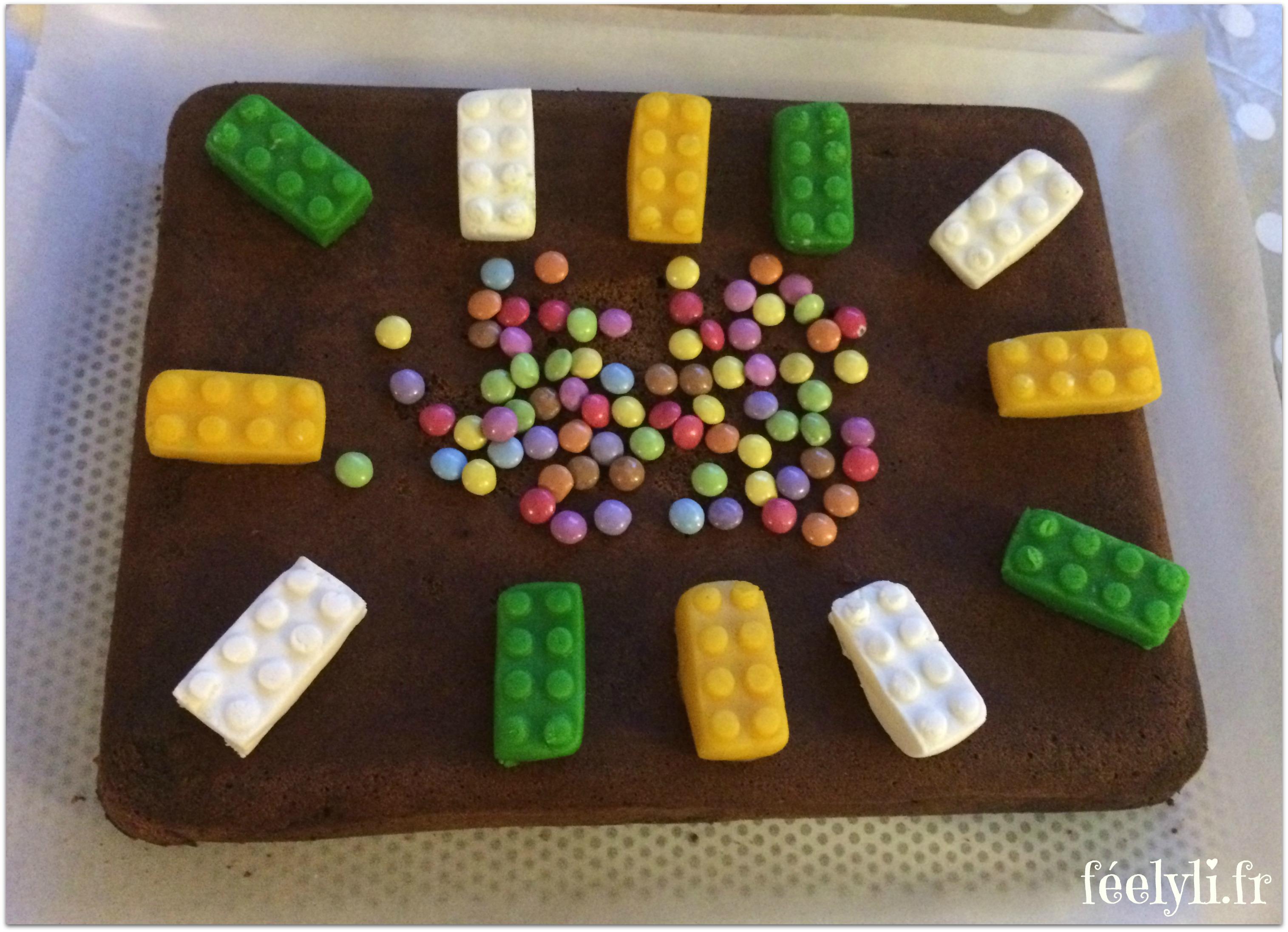 grand gâteau lego