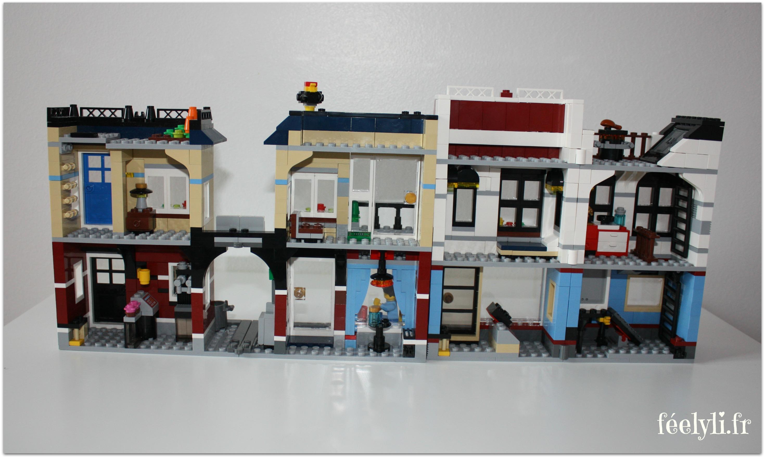 intérieur magasin de vélos et café lego
