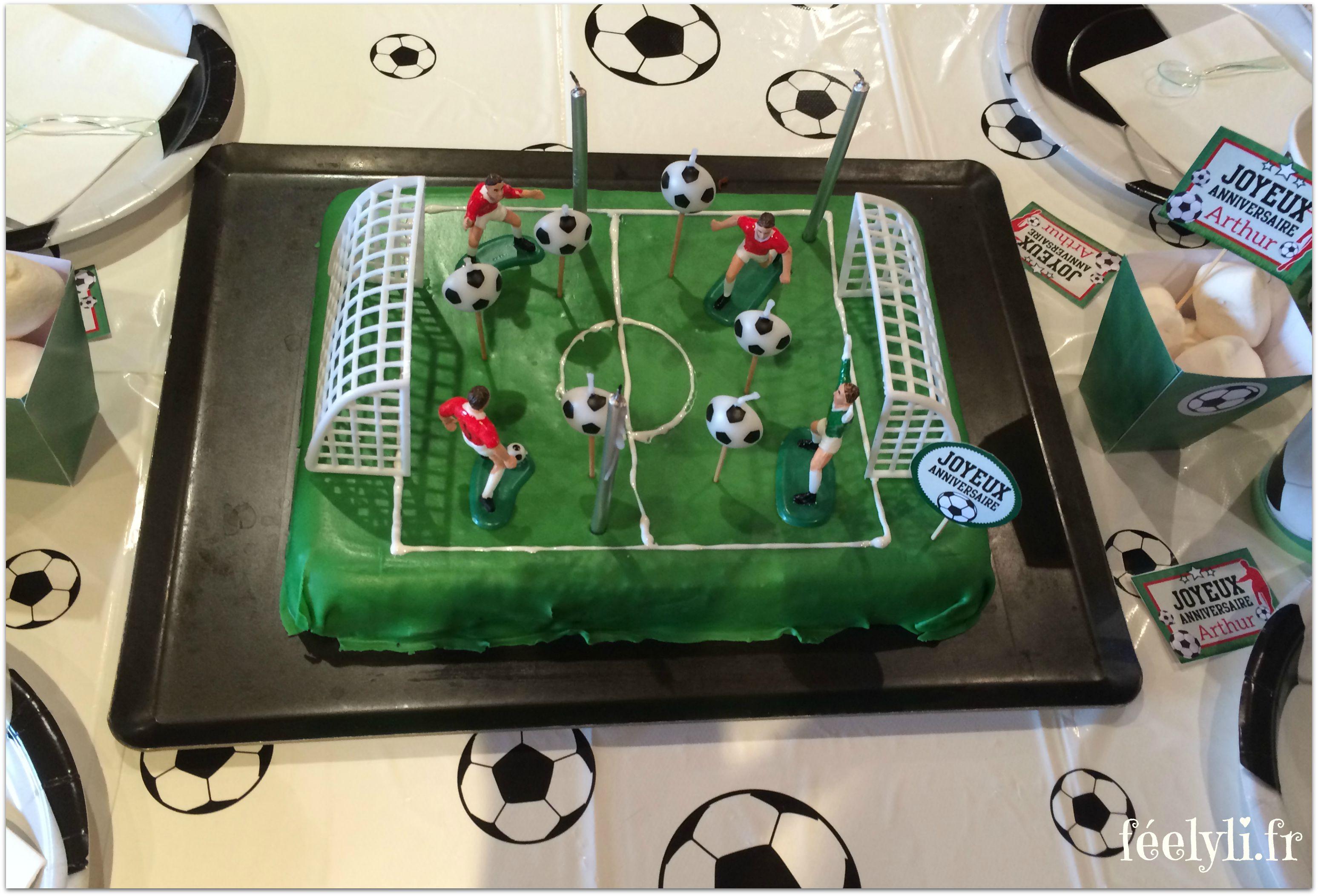 gâteau au chocolat terrain de foot