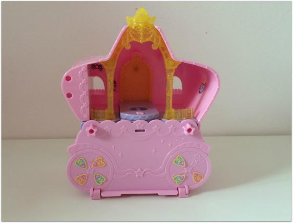 glitter house2