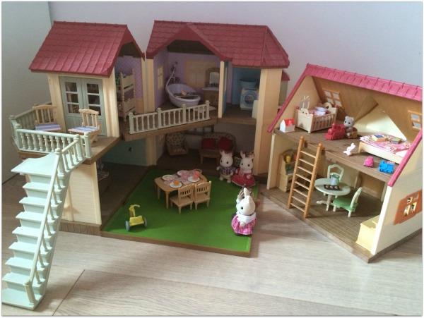 les sylvanian families l agrandissement de la grande maison tradition f elyli. Black Bedroom Furniture Sets. Home Design Ideas
